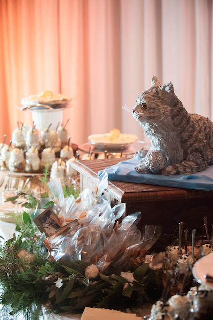 ak brides akbrides nicole and drew cat cake dessert table the club wedding reception