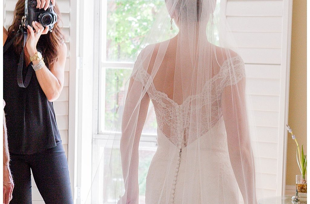 Advice On Gratuity: Tipping Your Wedding Vendors And How